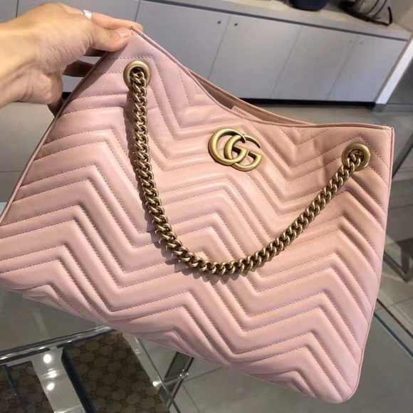 52d29aaebd7 GG Marmont medium matelassé shoulder bag Pink. NWT. Gucci